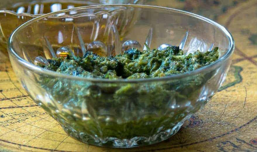 Persiljepesto med vitlök och olivolja (Naturlig mat, AIP, Paleo)